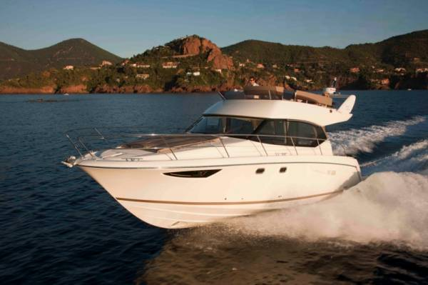 New Prestige 400 Flybridge