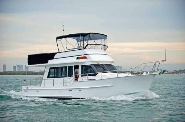 Integrity 350 Mk II Flybridge Cruiser