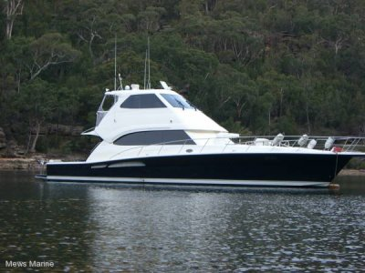 Riviera 60 Enclosed Flybridge