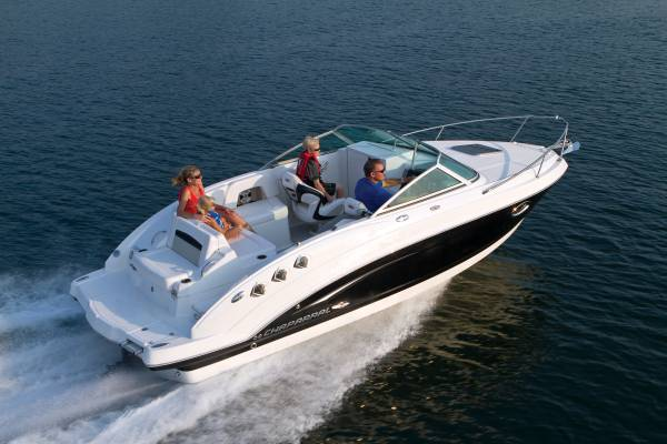 New Chaparral 225 Sports Cabin