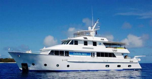 Luxury Charter Motor Cruiser