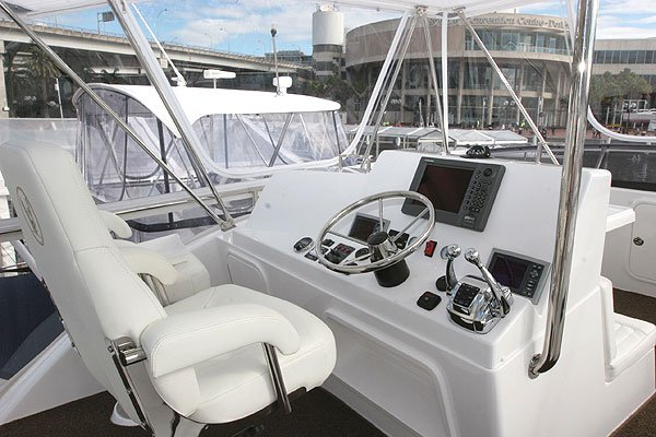 New Caribbean 40 Flybridge Cruiser