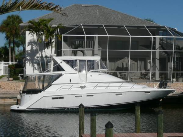 Chris Craft 43 Flybridge