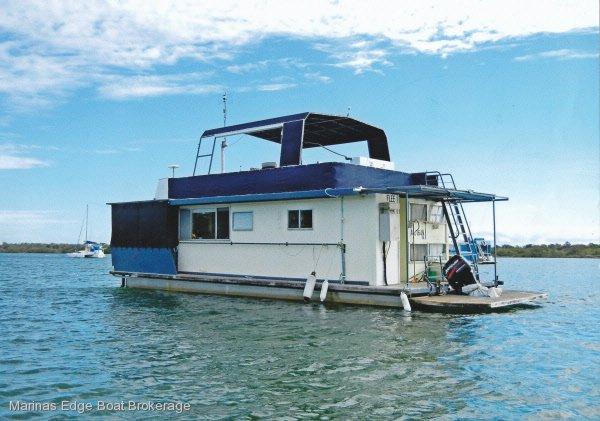Liveaboard Houseboat