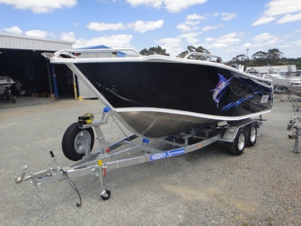 Formosa 550 Offshore Tomahawk Side Console