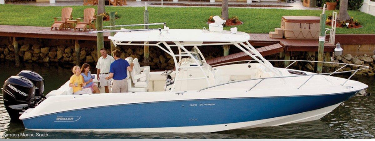 Boston Whaler 320 Outrage Cuddy
