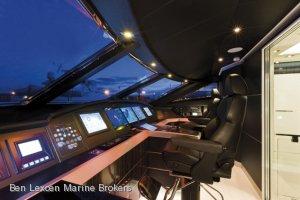 New Dominator 29m Sunbridge