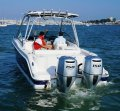 New Robalo R247 Crossover Bowrider