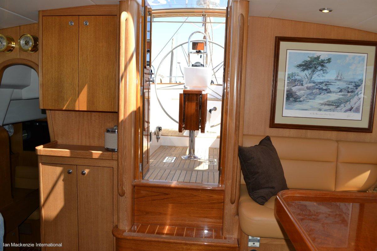 Admiral Marine 76 - Deck Saloon Cruising Yacht