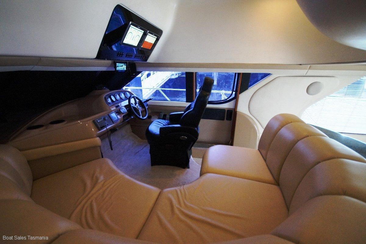 """Carver 450 Voyager """"Miami"""""""