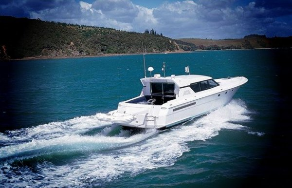 Magnificent Warwick 50 Sports Cruiser � Must be Seen!