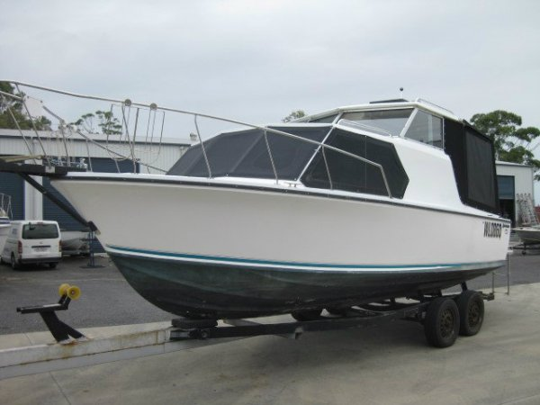 Huntsman Cabin Cruiser 24'