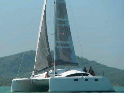 Grainger Barefoot 40 - Daggerboard Sailing Catamaran