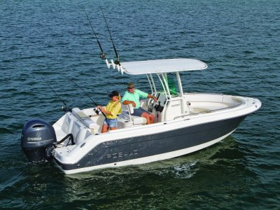 New Robalo R222 Centre Console Offshore Fishing Boat