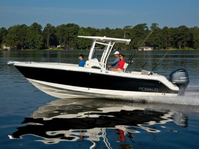New Robalo R242 Center Console Offshore Fishing Boat