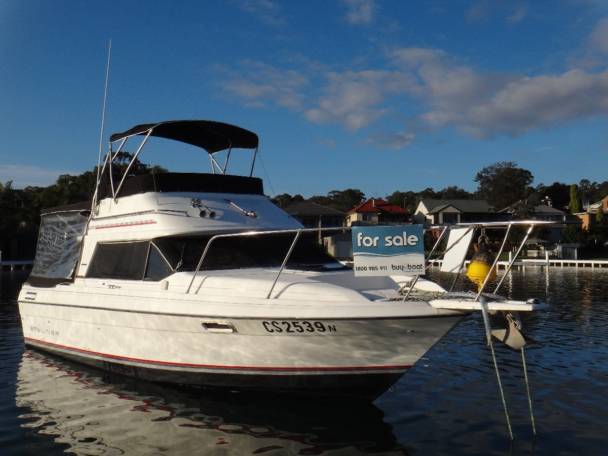 Bayliner Flybridge Cruiser