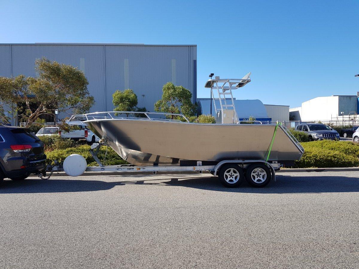 Oceanic Fabrication 6.1m Centre Console