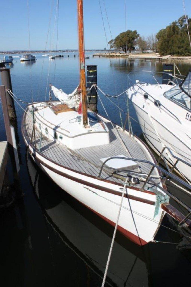 27 ft Arthur Bishop Voyager-class classic sloop
