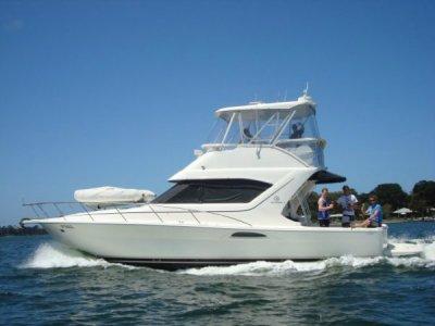 Mariner 3850 Flybridge Cruiser:Mariner 3850