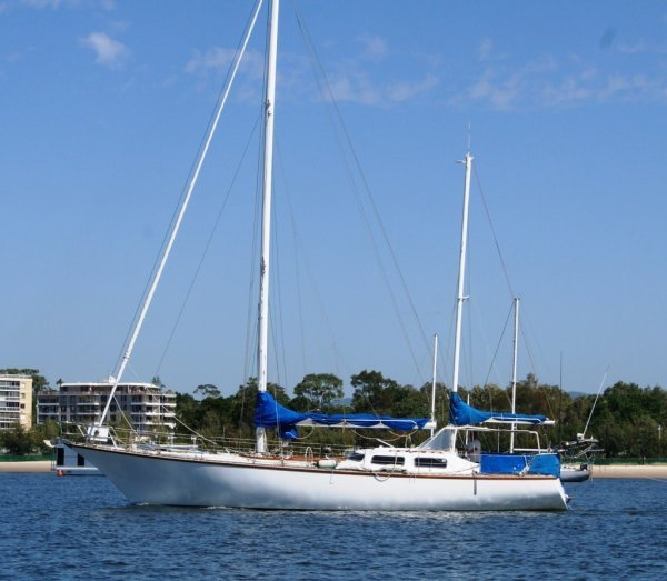 Blackburn Ketch 50' & Hope Island Marina Berth F22