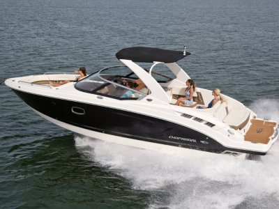 New Chaparral Bowrider