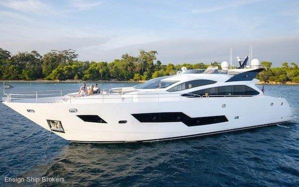 Sunseeker 101 Sport Yacht