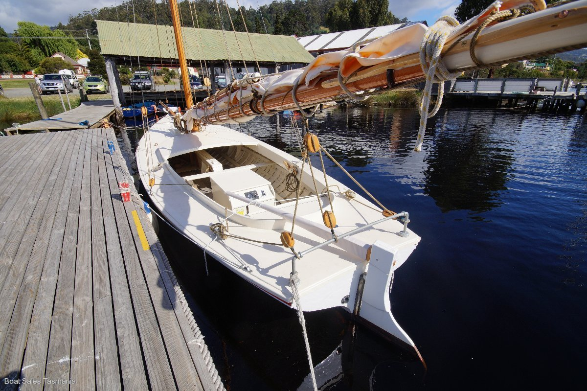 """1892 Gaff-rigged Yacht""""Clara"""""""
