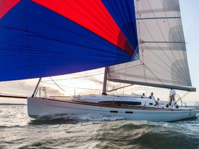 New J Boats J/122e