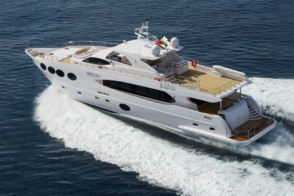 Majesty Yachts As new 33m Fly Bridge Motorboat