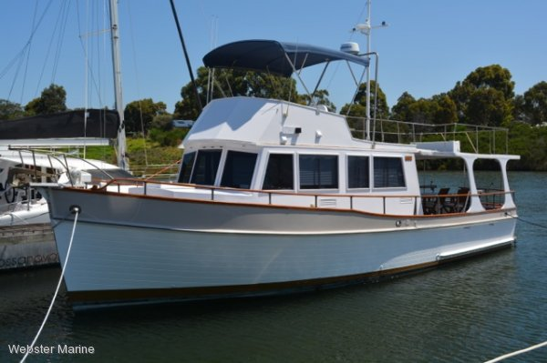Grand Banks Flybridge Cruiser