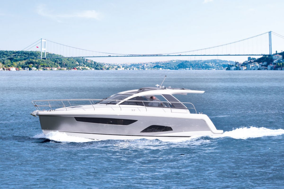 Sealine S330 New Model S330 arriving mid 2015