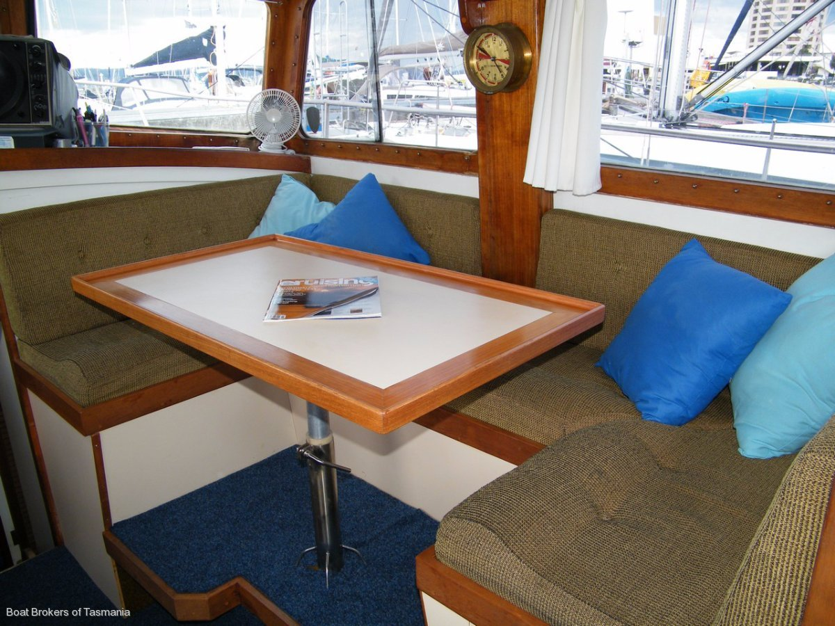 Custom Timber 40 Flybridge Cruiser