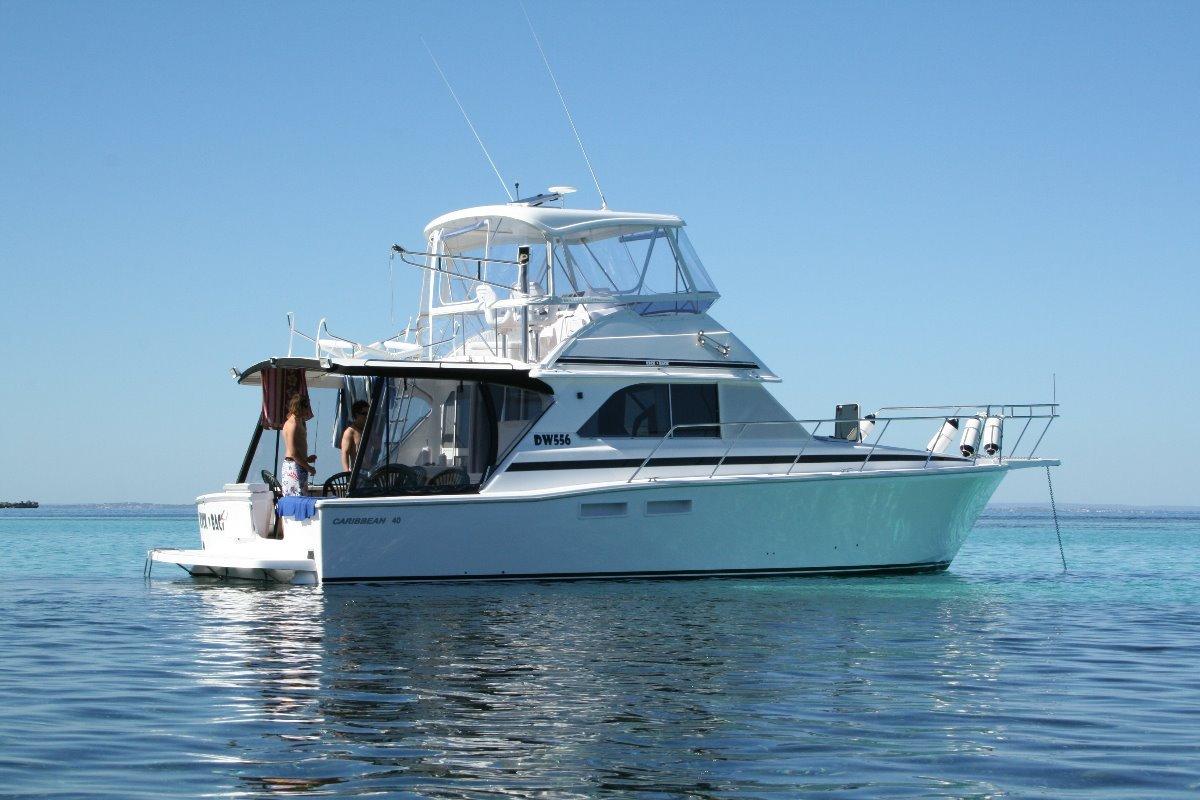 Caribbean 40 Flybridge Cruiser:The perfect RIG!