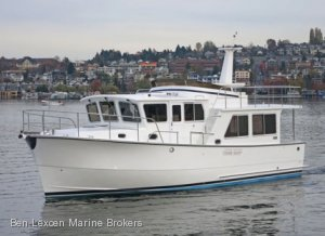 New Helmsman Trawlers 43 Pilothouse {New}
