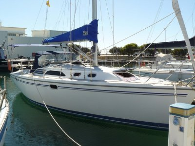 Catalina 320- Click for more info...