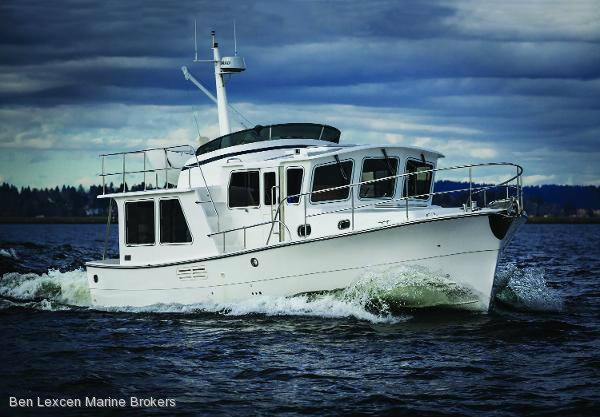 Helmsman Trawlers 38 Pilothouse (new)