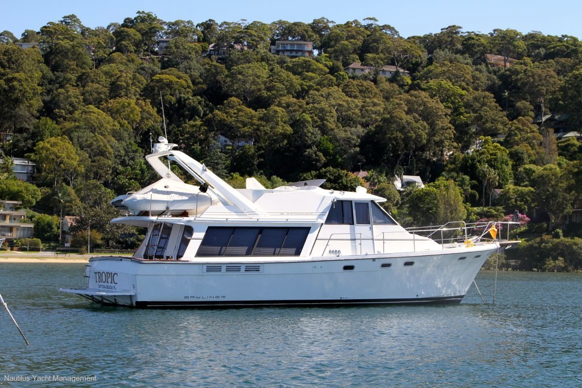 Bayliner 4588 Motor Yacht Flagship of Bayliner Yachts. Ultimate Luxury on the water. Separate bridge.