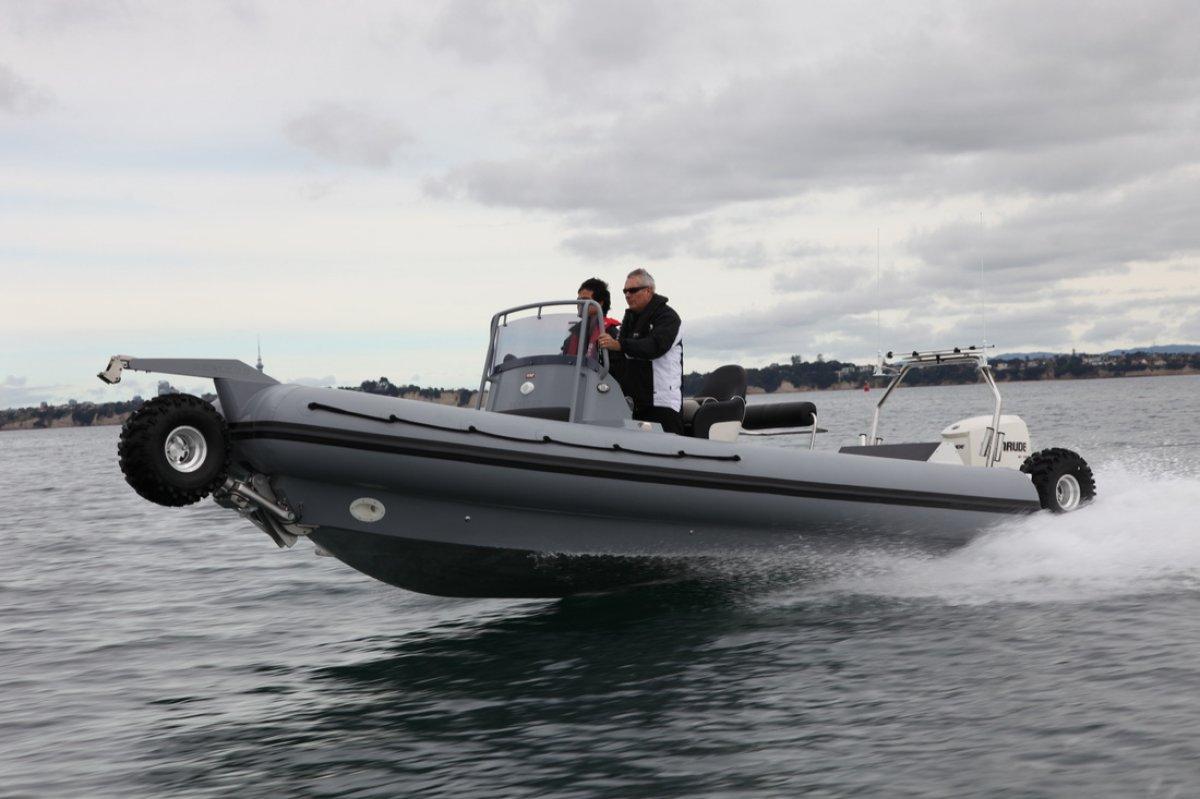 Sealegs Amphibious 7.7 AWD Rigid inflatable
