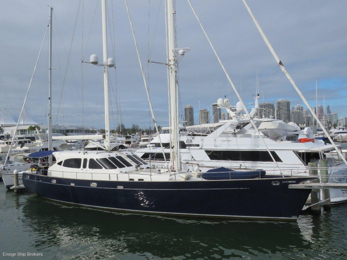 Huntress 94 Sailing Motor Yacht