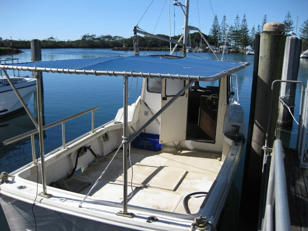 Fishing boat, line and trap with NSW fishing licence