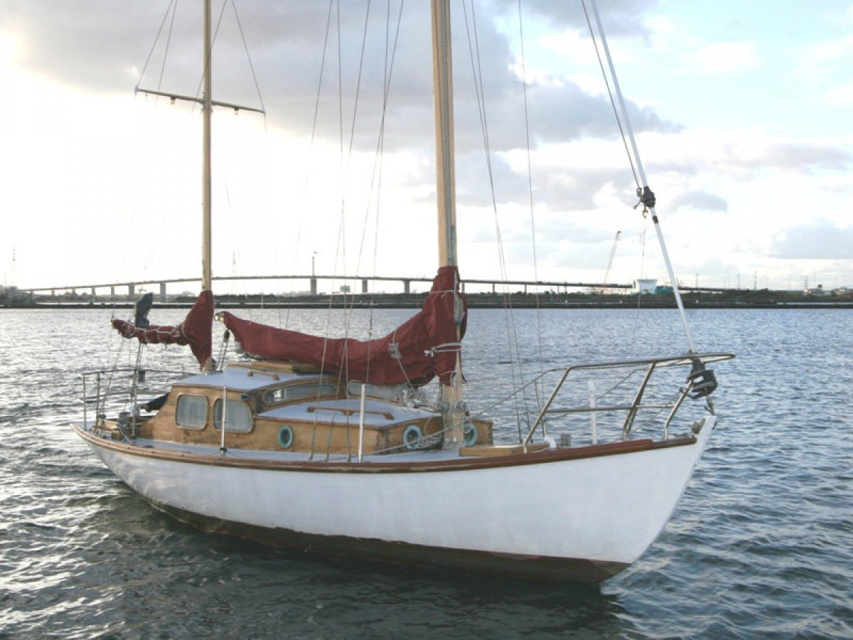Herreshoff H-28 Classic Timber Ketch