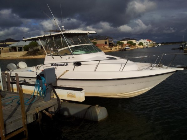 Gulf Craft Walk Around 31. Twin 250 Evinrude Etec.