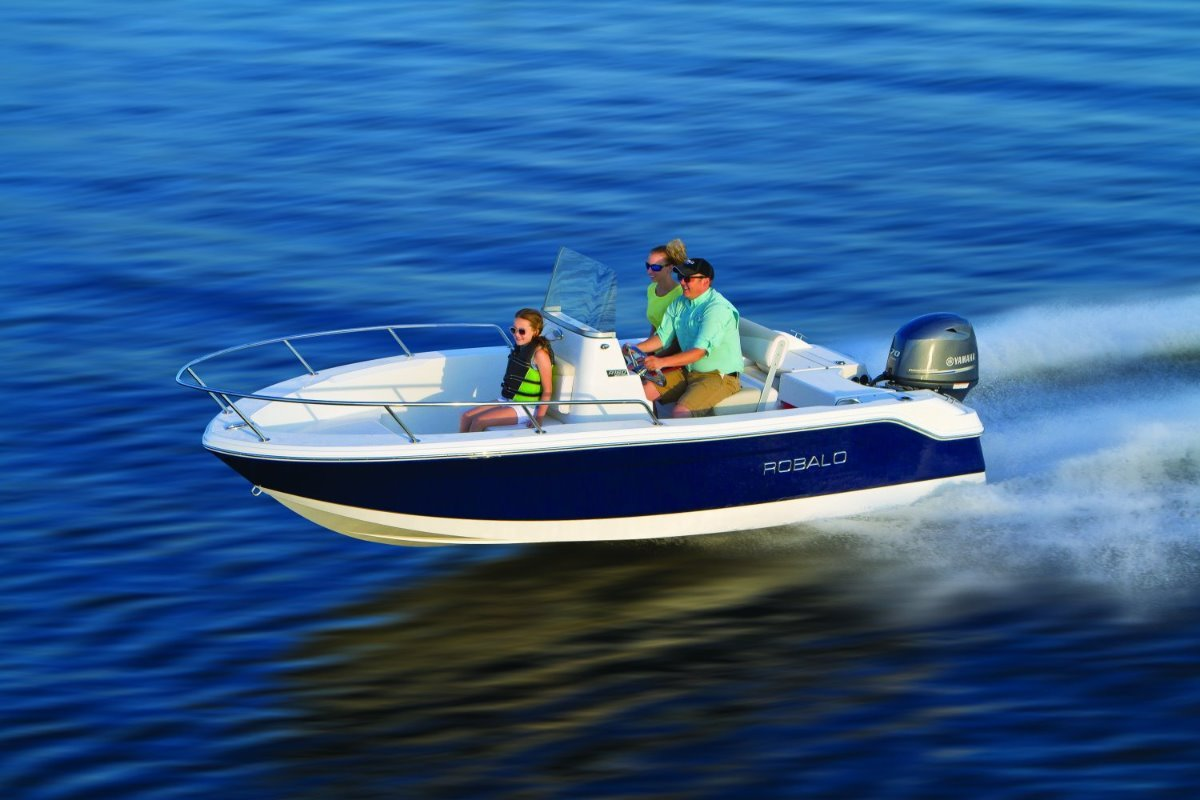 Robalo R160:Perfect Allrounder