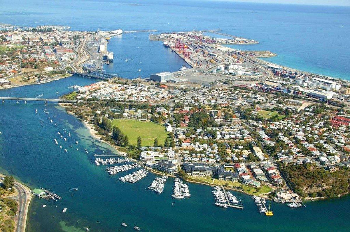 Pier 21 Marina 7m to 24m pens