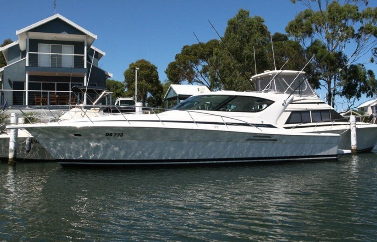 Riviera 4000 Offshore:Riviera 4000