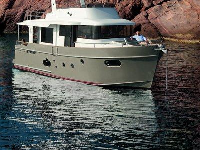 New Beneteau Swift Trawler 50:Swift Trawler 50