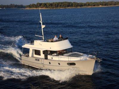 New Beneteau Swift Trawler 44:Swift Trawler 44