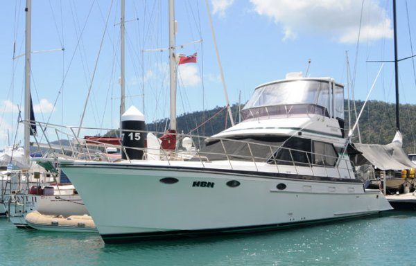Lycrest 43 Flybridge Cruiser
