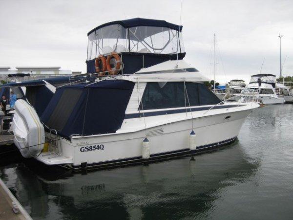 Riviera 33 Flybridge Bluewater Cruiser