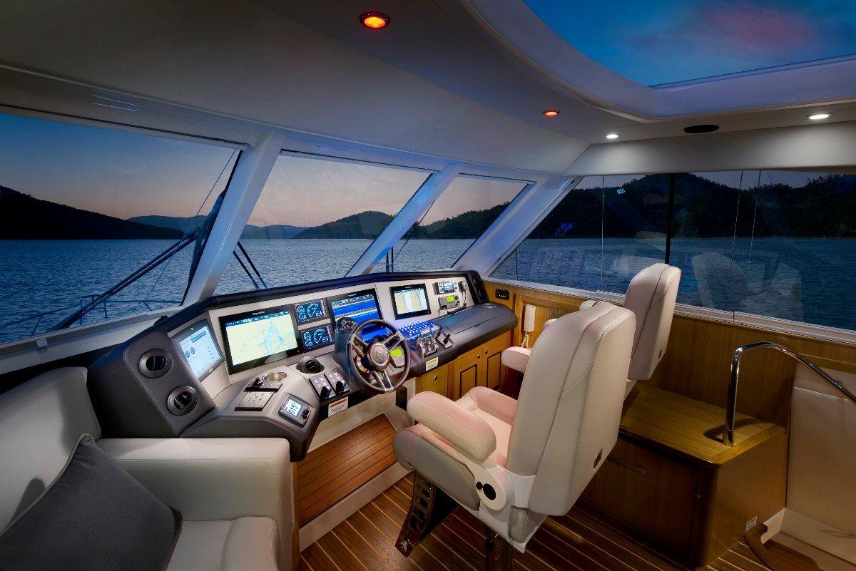 Riviera 63 Enclosed Flybridge